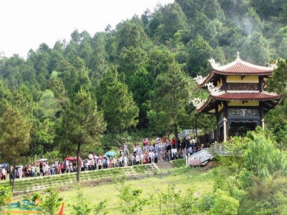 du lịch Quảng Bình go khu lăng mộ Đại tướng Võ Nguyên Giáp tại Vũng Chùa Đảo Yến 2