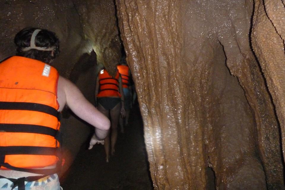 Dark Cave - Chay River Phong Nha Quang Binh Go tour 7