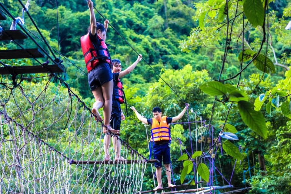 Mooc Spring, Phong Nha - Ke Bang, Quang Binh Go travel 7