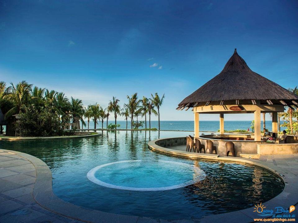 Bể bơi vô cực Sun Spa Resort & Villas