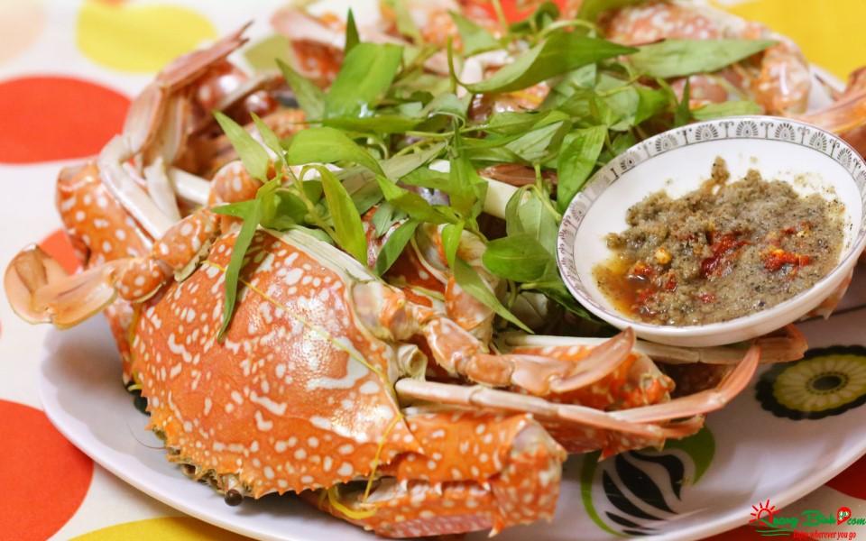 Ghẹ hấp ở Đồng Hới, seafood Quang Binh