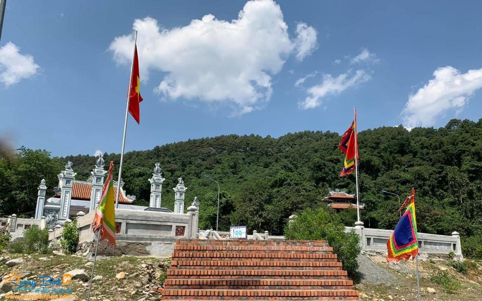 Đền thờ công chúa Liễu Hạnh, đèo Ngang, Quảng Bình