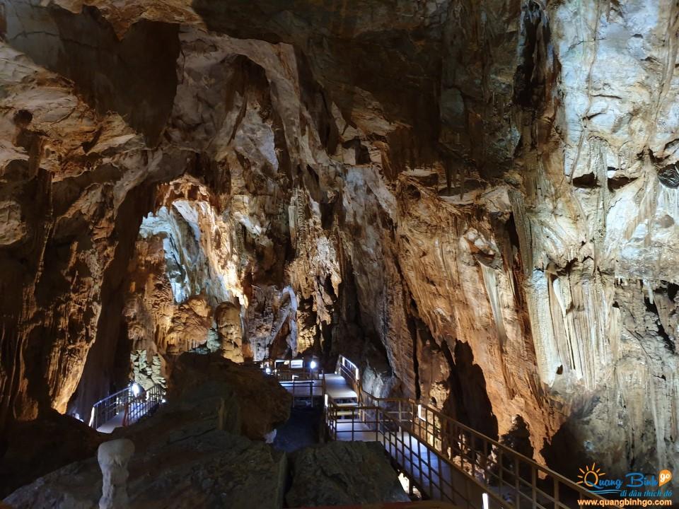 Điểm du lịch động Tiên Sơn, Quảng Bình