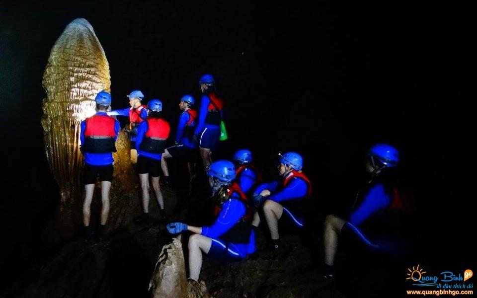 Động Phong Nha tour thám hiểm