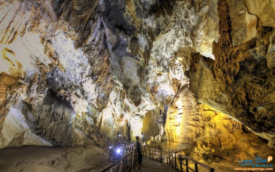 Động Thiên Đường du lịch Quảng Bình