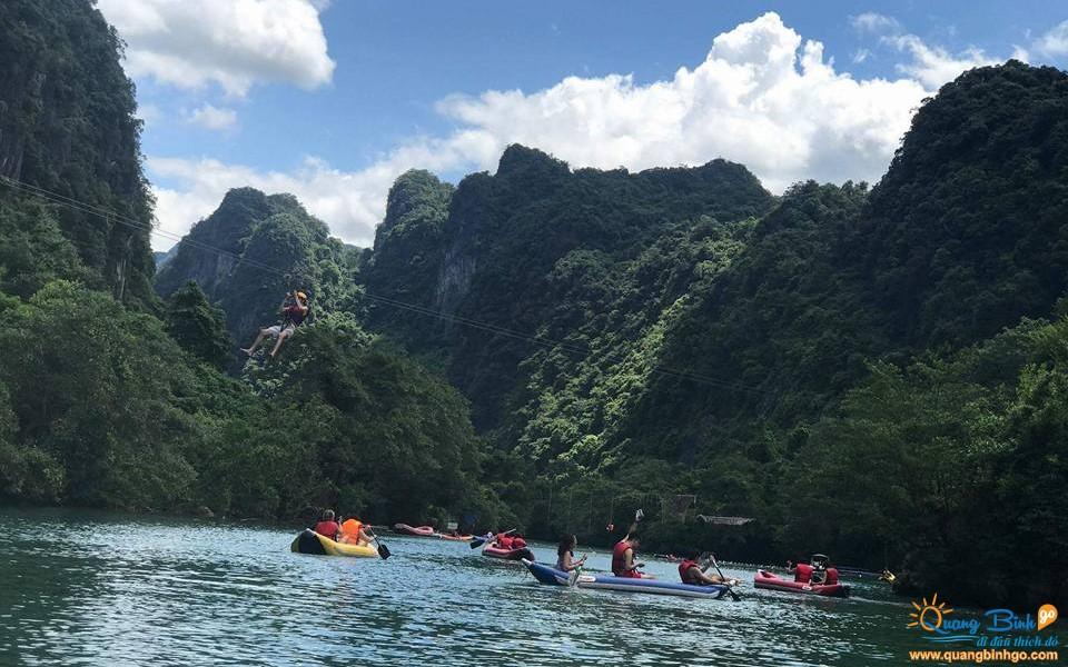 Kayaking Chay river tourist area Phong Nha Ke Bang