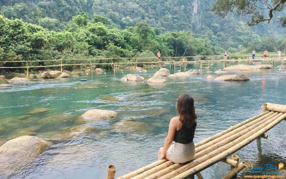 Mooc spring tourist area, Quang Binh