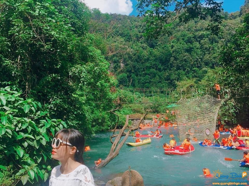 Mooc stream tourist area