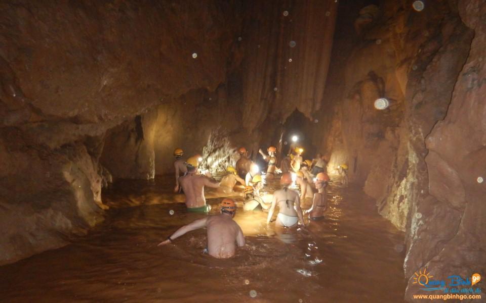 Mud bath in the Dark cave Chay river tourist area