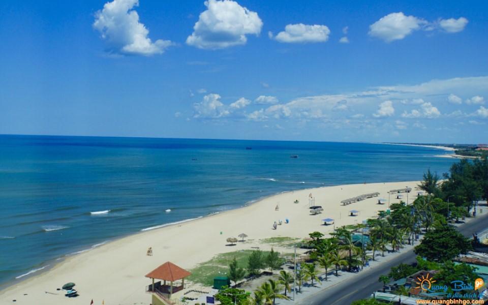 Nhat Le beach, Dong Hoi city, Quang Binh 01