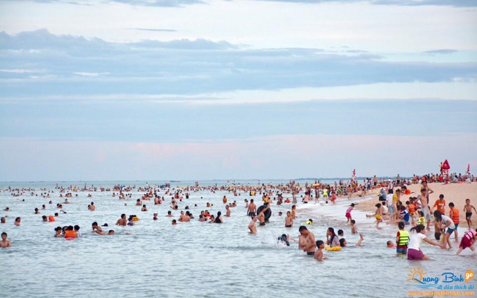 Nhat Le beach Quang Binh
