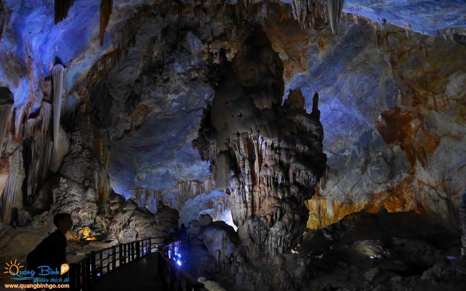 Paradise cave of Phong Nha Ke Bang