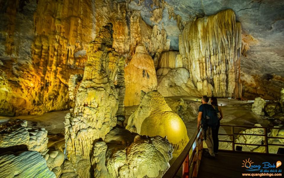 Paradise cave Quang Binh Go tour