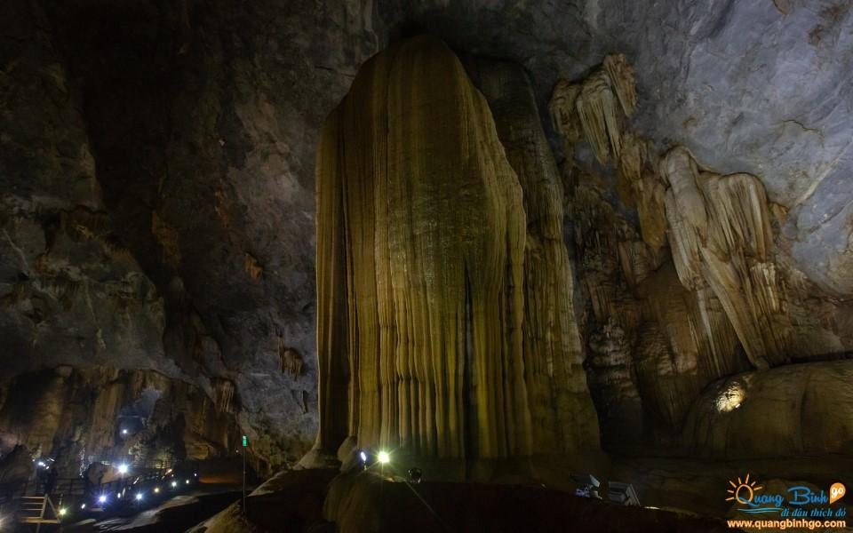Paradise cave Quang Binh tourist