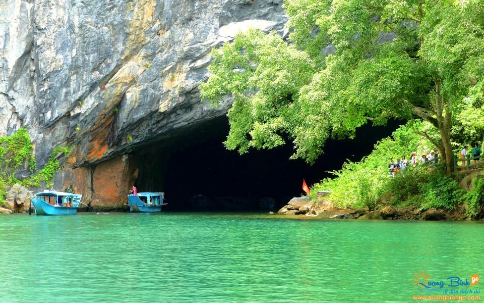 Phong Nha cave door, Quang Binh