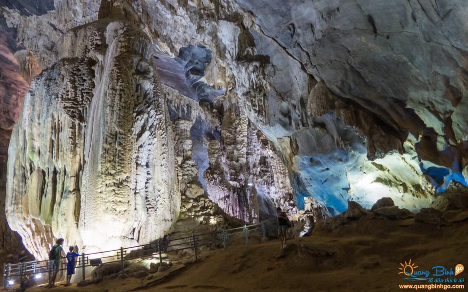 Phong Nha cave tourist Quang Binh Go