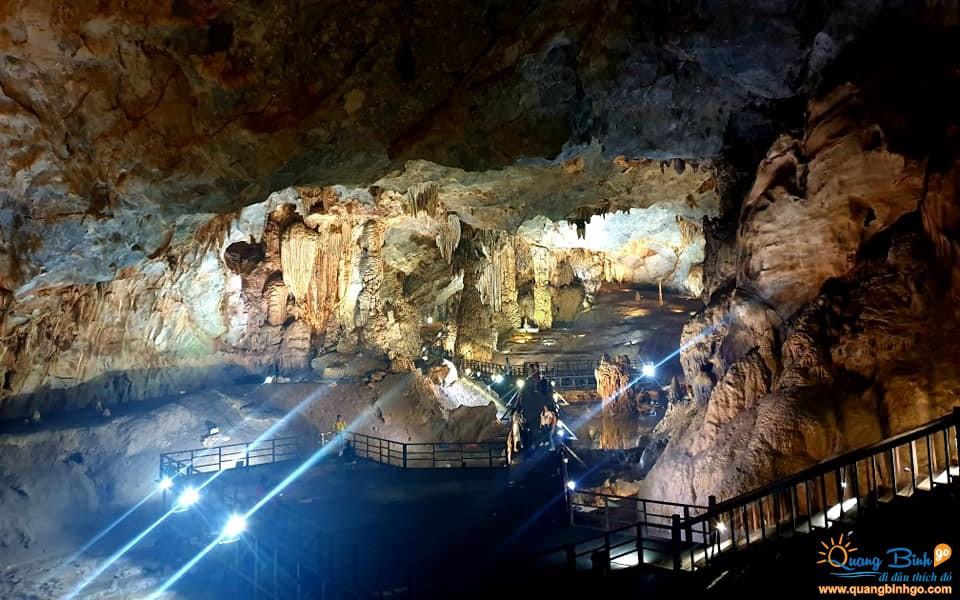 Phong Nha tour Paradise cave