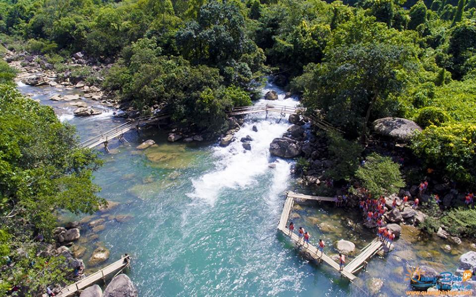 Suối nước Moọc, Phong Nha, Quảng Bình