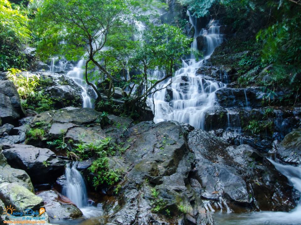 Thác Gió , vườn thực vật Phong Nha