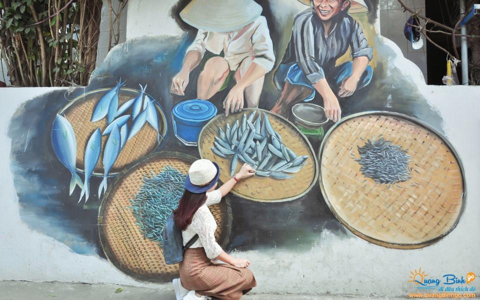 Tour Quảng Bình đến làng tranh bích họa