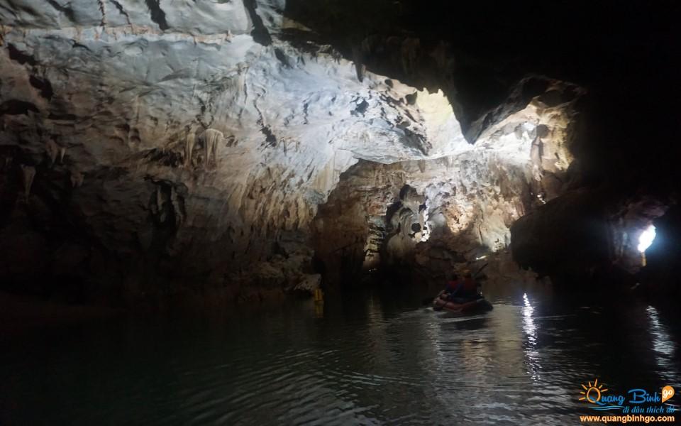 Tour thám hiểm động Phong Nha, Quảng Bình