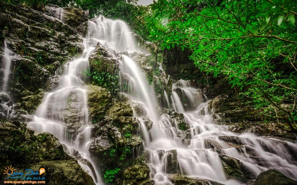 Wind waterfall in Phong Nha botanical garden tourist