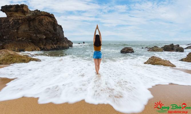 Du lịch biển Đá Nhảy tour Quảng Bình Go