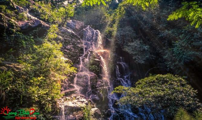 Thác Gió Phong Nha garden Wind waterfall tourist