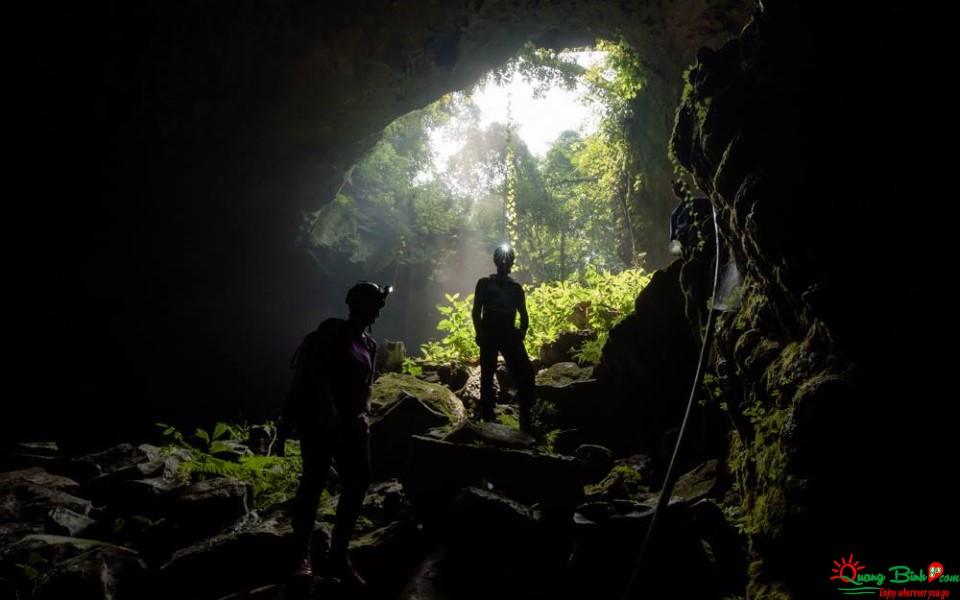 Tulan cave, Phong Nha Ke Bang tour adventure