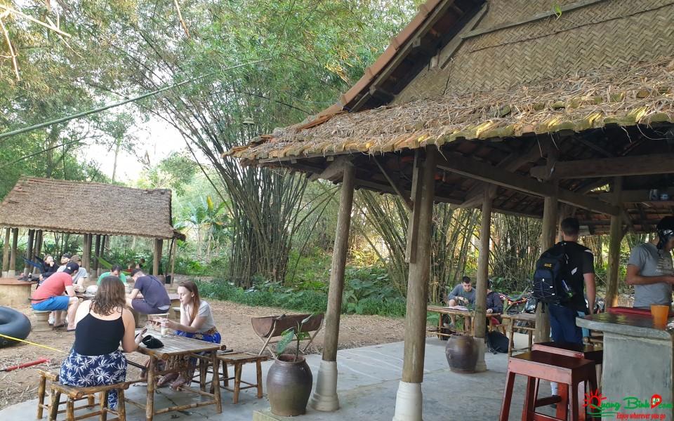 Bomb Crater Cafe Phong Nha, Quảng Bình
