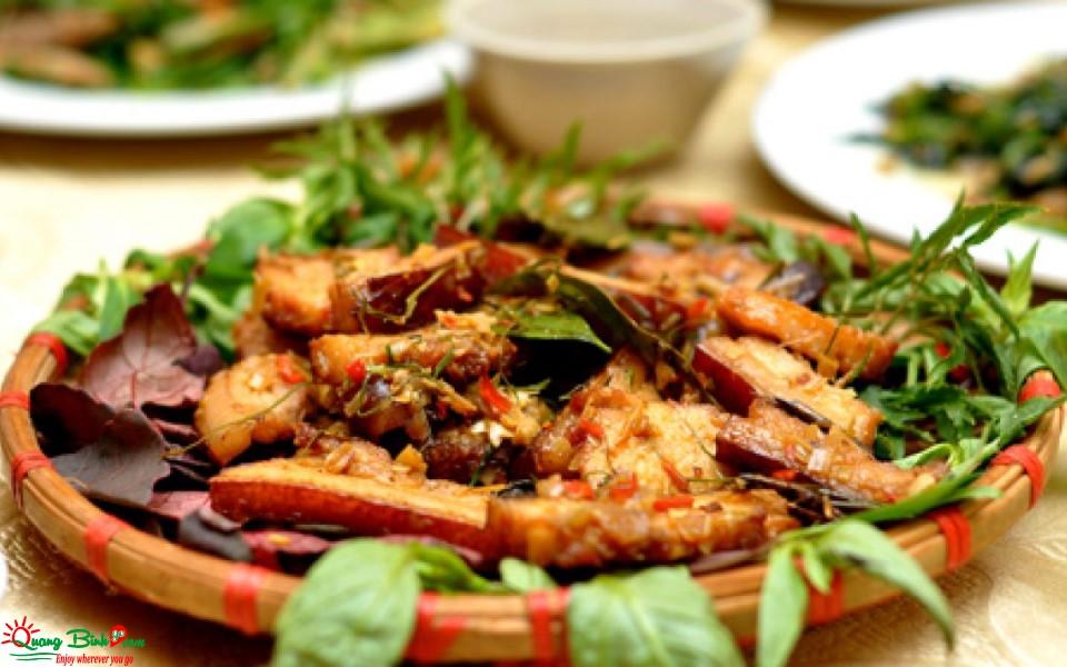 Heo tộc nướng Phong Nha, Quảng Bình
