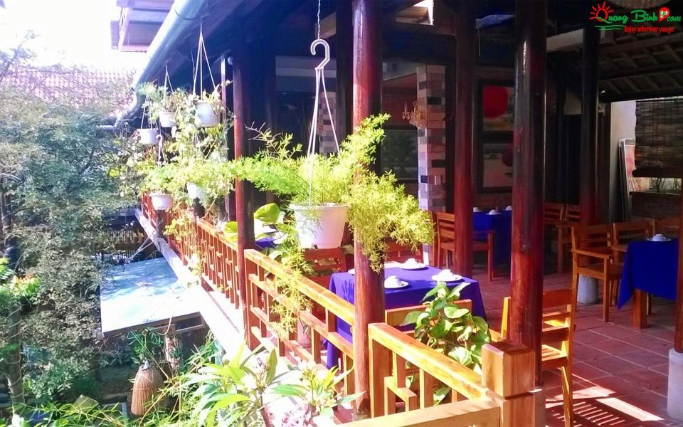 Nhà hàng Quê Nhà Đồng Hới, Quảng Bình